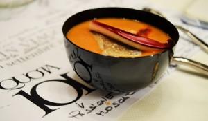 Zuppa di borlotti e merluzzo alla piastra con paprika affumicata